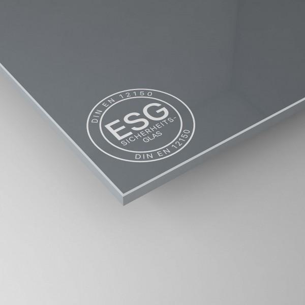 Grau lackiertes ESG Glas